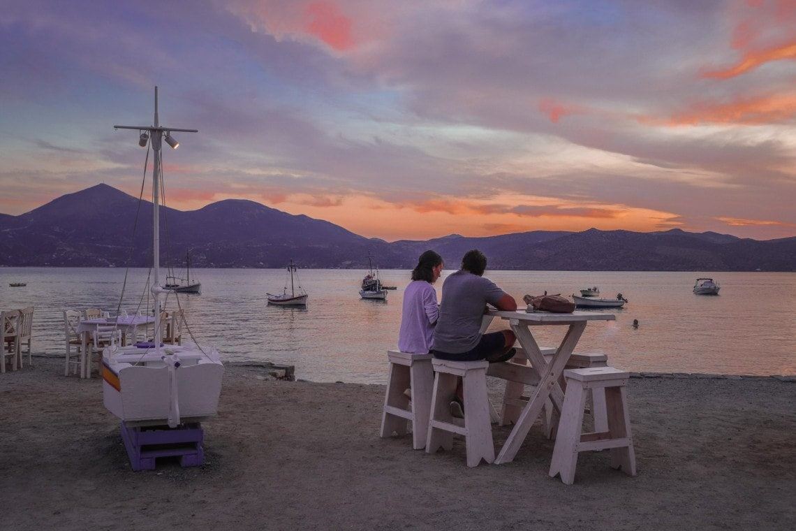 couple dining in Klima